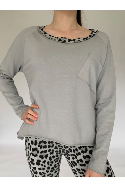 Abstract Trim Sweat